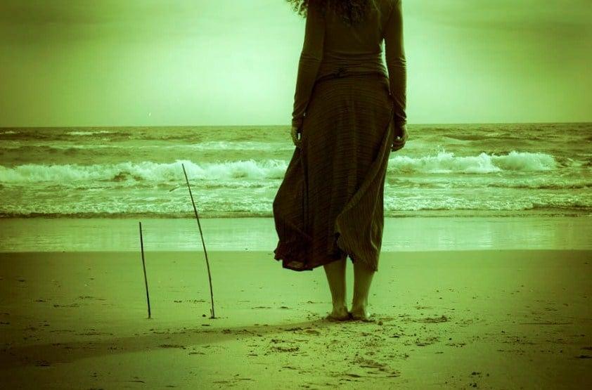 """La spiaggia per ricaricarsi… e senza """"fisime"""" per il fisico"""